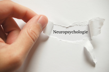 Photo papier déchiré inscription neuropsychologie
